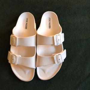 Steve Madden Bubbles sandals in White